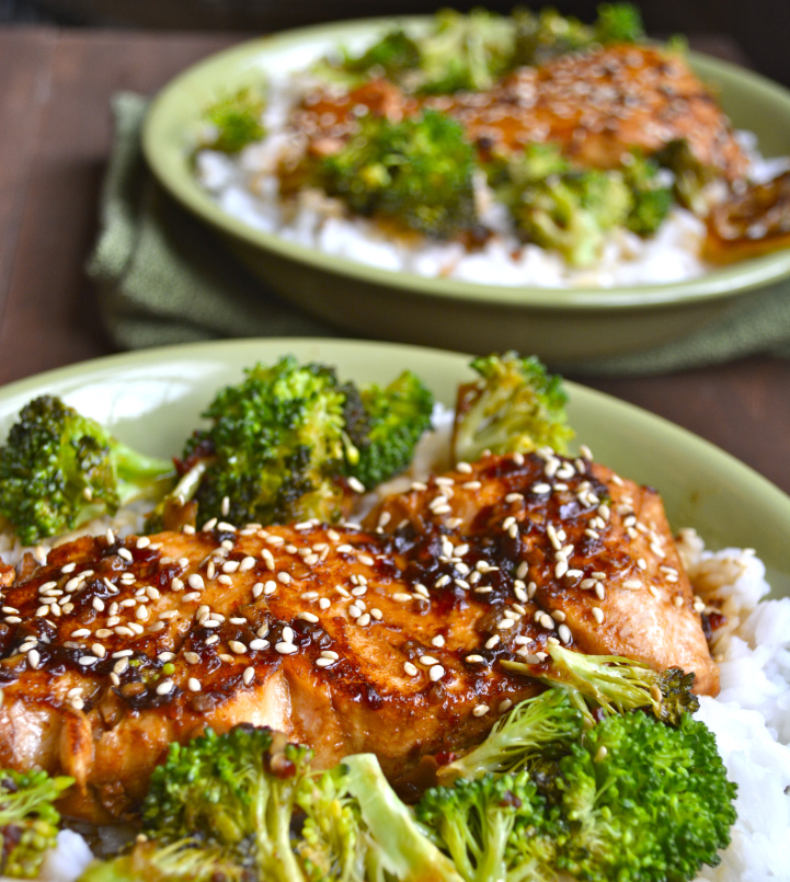 chili garlic salmon and broccoli bowl