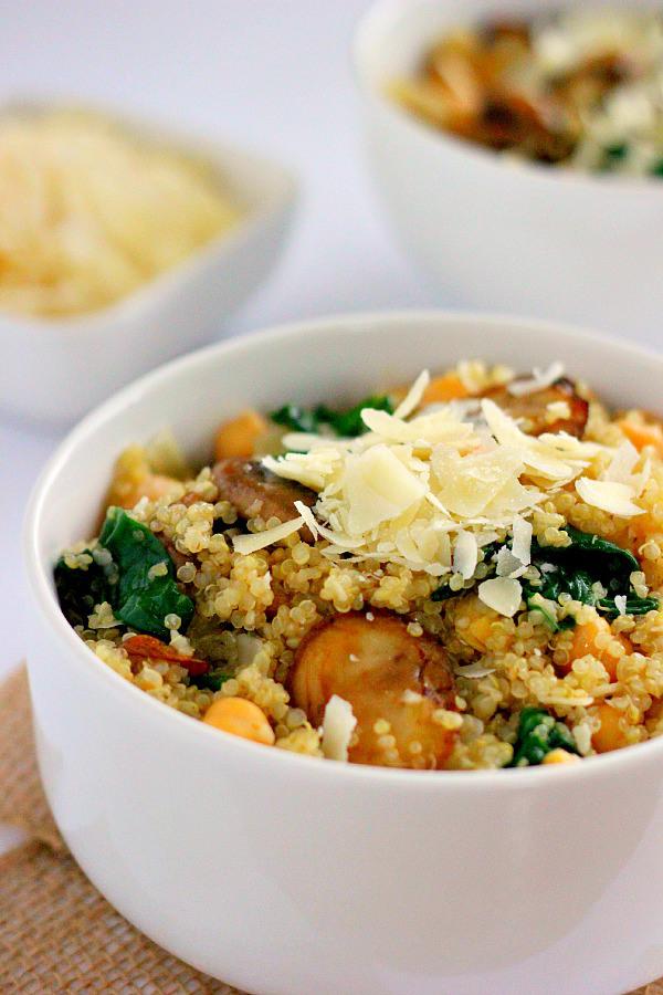 spinach-mushroom-quinoa-bowl